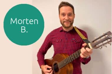 Morten B. fra Lindholm spiller på torvedagen